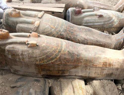Sarcofagi sigillati scoperti a Luxor